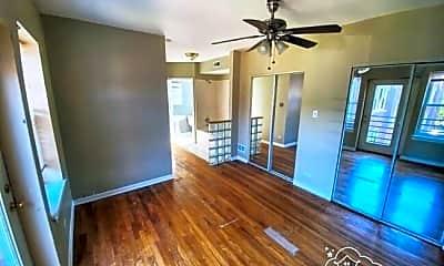 Living Room, 7026 S Cregier Ave, 1