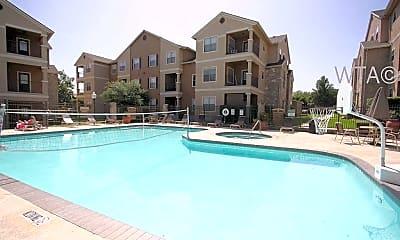 Pool, 1001 Leah Avenue, 2
