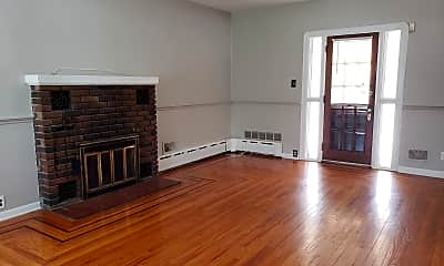 Living Room, 18 N State St, 1