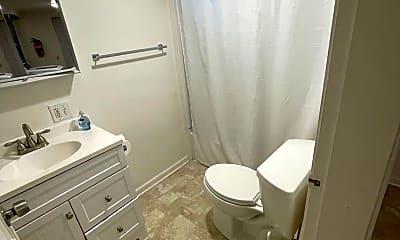 Bathroom, 3109 W Boone Ave, 2