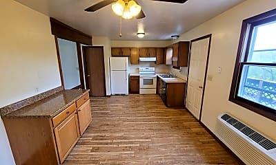 Kitchen, 213 Catalpa Ln, 1