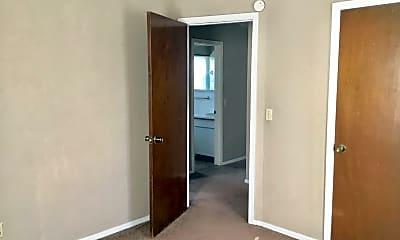 Bathroom, 407 E Rickenbacker Dr, 2