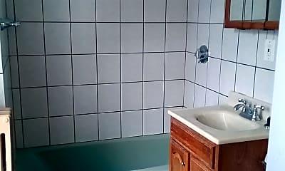 Bathroom, 85 Lynnfield St, 2