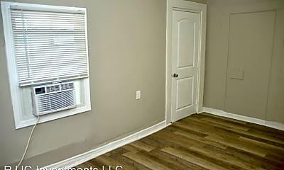 Bedroom, 218 E 7th St, 2