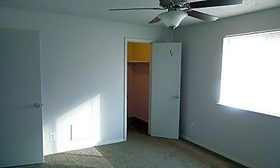 Bedroom, Wood Creek Apartments, 2