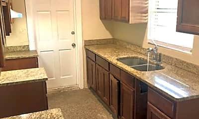 Kitchen, 940 Kaley Ave, 2