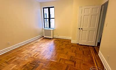 Living Room, 181 E 206th St, 1