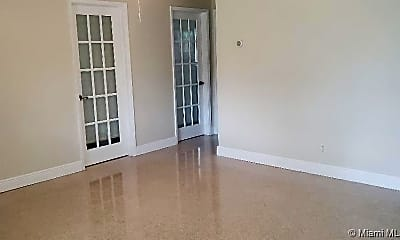 Living Room, 330 NE 42nd Ct, 1