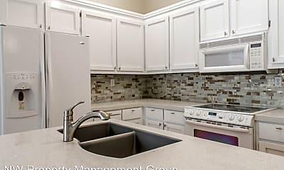 Kitchen, 5327 Glenwood Ave, 1