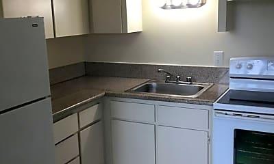 Kitchen, 635 SE 182nd Ave, 2