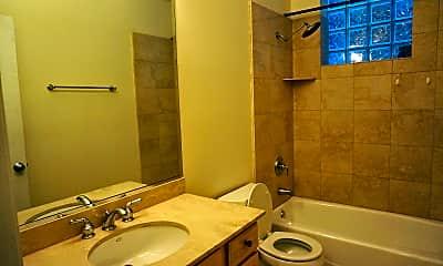 Bathroom, 2729 N. Wilton Avenue, Unit 1, Chicago, IL, 1