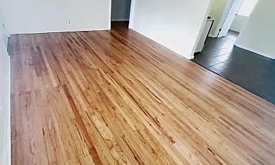 Living Room, 138 Mesilla St NE, 1