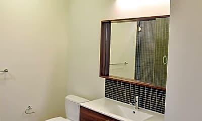Bathroom, 733 N Hudson Avenue, 2