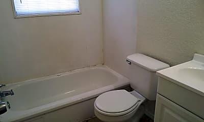 Bathroom, 1004 N Lake St, 2
