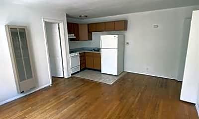 Living Room, 311 S Prairie St, 1