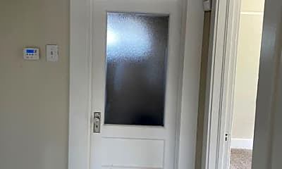 Bathroom, 61 Asbury St, 2