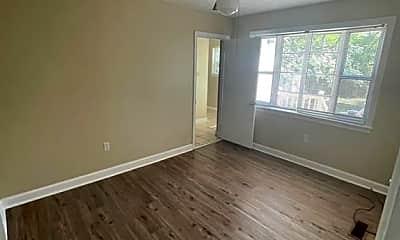 Living Room, 2106 S Fernwood Dr, 2