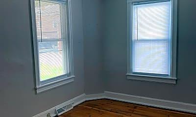 Bedroom, 8 S Greenwood Ave, 2