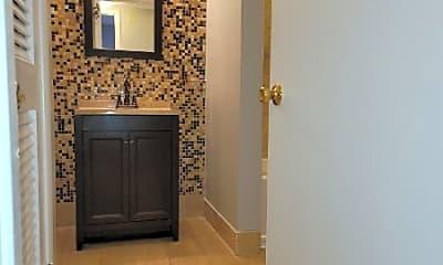 Bathroom, 323 Forest Park Rd, 2