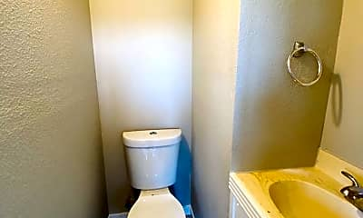 Bathroom, 3526 Old Lewis River Rd, 2
