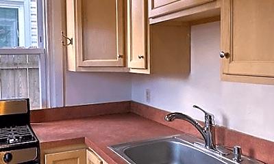 Kitchen, 1305 1/2 Green St, 1