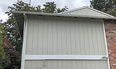 Building, 8130 SE Main St, 2