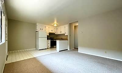 Living Room, 1042 Grand Ave 4, 1