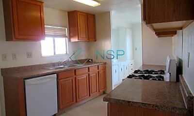 Kitchen, 3138 Lake Dr, 1