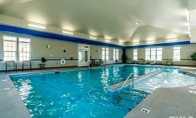 Pool, 1117 Commack Dr, 2