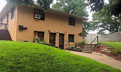 Building, 362 Winifred St E, 0