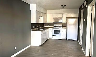 Kitchen, 420 N Gilmer St Apt 11, 1