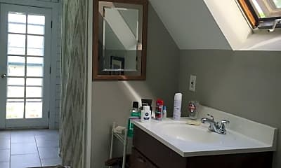 Bathroom, 2701 Dupont Ave S, 2