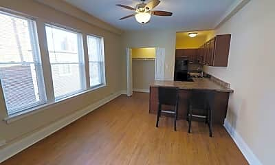 Dining Room, 5135 S Blackstone Ave, 1