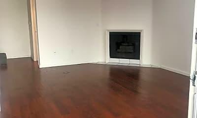 Living Room, 13022 Riverside Dr, 0
