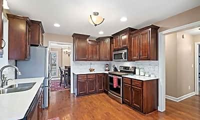 Kitchen, 1121 Chinook Circle, 1
