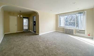 Living Room, 4000 E St SE, 1