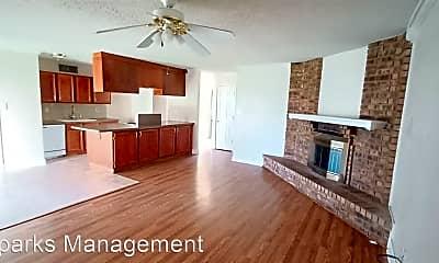Living Room, 907 Circle Cove Dr, 1