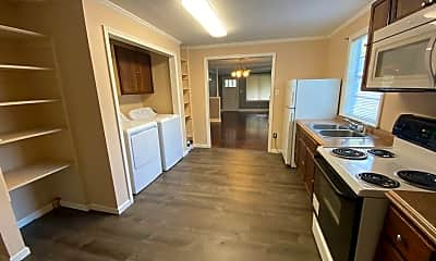 Kitchen, 753 E Waldburg St, 2