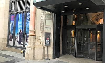 90 West Street Apartments, 1