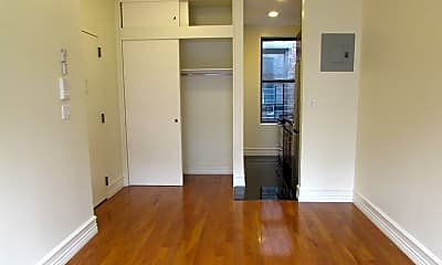 Living Room, 167 W 83rd St, 1
