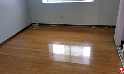 Living Room, 22003 Belshire Ave 9, 0