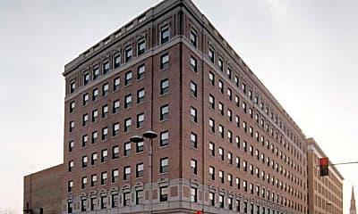 Louis Joliet Apartments, 0