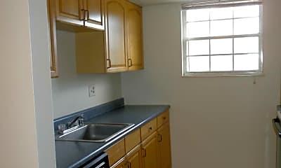 Benjamin Apartments, 0
