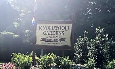 Knollwood Gardens, 1