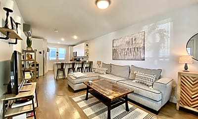 Living Room, 515 6th Ave 3, 1