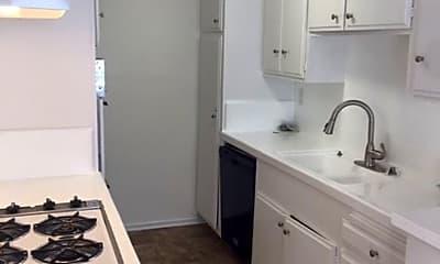 Kitchen, 7010 Lanewood Ave, 1