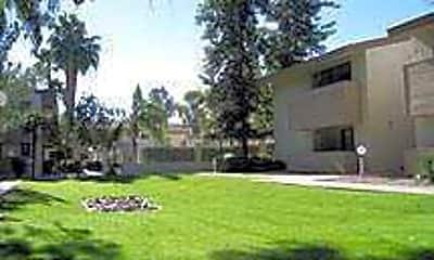 Lincoln Garden, 1
