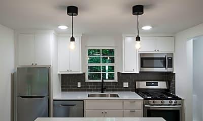 Kitchen, 531 E Maple St, 1