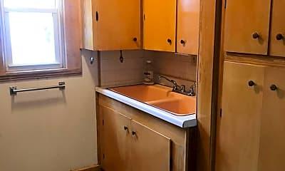 Kitchen, 654 Chestnut St, 1