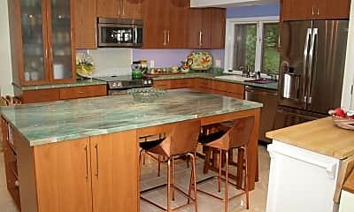 Kitchen, 8350 Beachwood Park Rd, 1